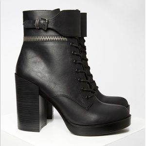 💣F21💣 Platform Black Lace-Up Combat Boots